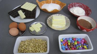 Ingrédients pour la recette : Brownies moisis aux asticots