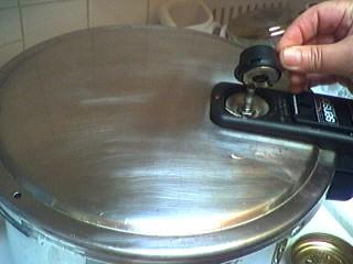 Stérilisation au naturel de pêches en autocuiseur - 4.1