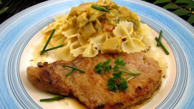 Image : Assiette de côtes de porc aux légumes