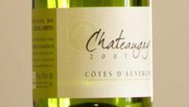 Photo : Bouteille de Châteaugay, vin d'Auvergne