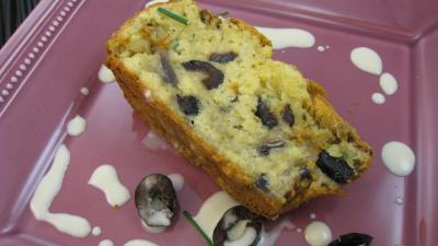 sauce à l'amaretto : Tranche de cake aux champignons
