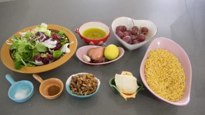 Ingrédients pour la recette : Salade de coquillettes aux noix
