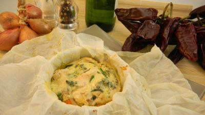 salade : Papillotes de blancs de poulet aux herbes aromatiques et roquefort