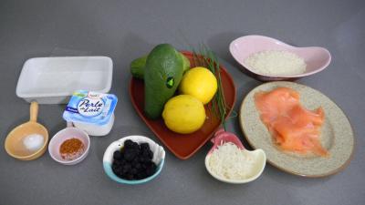 Ingrédients pour la recette : Guacamole à la truite fumée
