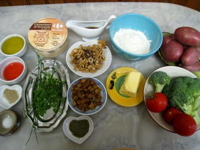 Ingrédients pour la recette : Crumble de camembert et sa salade