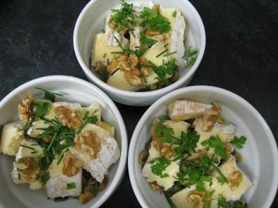 Crumble de camembert et sa salade - 7.4