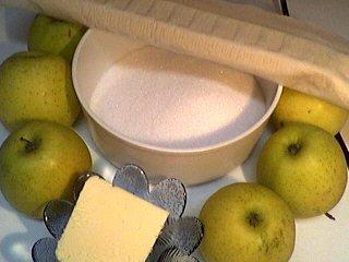Ingrédients pour la recette : Tarte tatin aux pommes