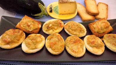 canapés : Plat de canapés aux aubergines