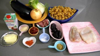 Ingrédients pour la recette : Lieu noir sauté aux pâtes et aux légumes