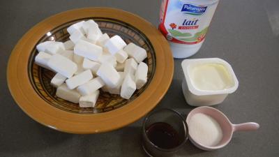 Photo : Préparation du yaourt à la guimauve blanche