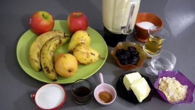 Ingrédients pour la recette : Crêpes aux fruits frais