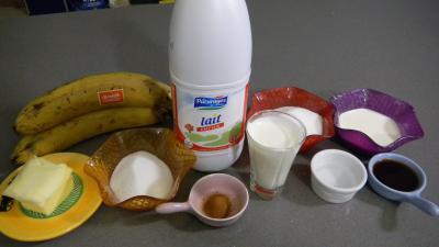 Ingrédients pour la recette : Yaourts caramélisés aux bananes