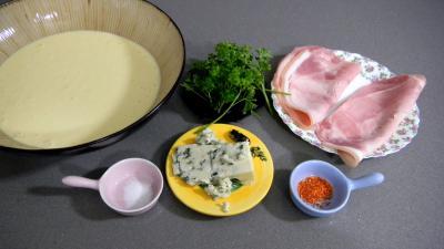 Ingrédients pour la recette : Gaufres au jambon en amuse-bouche