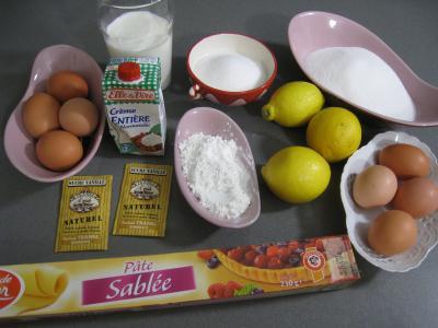Ingrédients pour la recette : tarte au citron meringuée