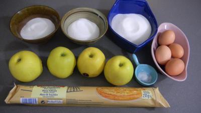 Ingrédients pour la recette : Tarte tatin meringuée