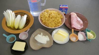 Ingrédients pour la recette : Ricotta et ses pâtes papillon aux endives