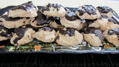 fruits chocolat : Plateau de rochers à la noix de coco et chocolat