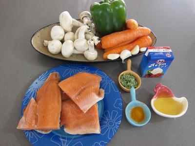Ingrédients pour la recette : Tajine de truite aux carottes et curcuma