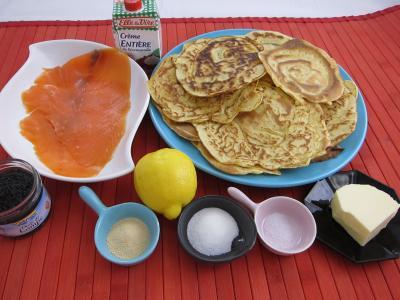 Ingrédients pour la recette : Blinis au saumon fumé façon Russe