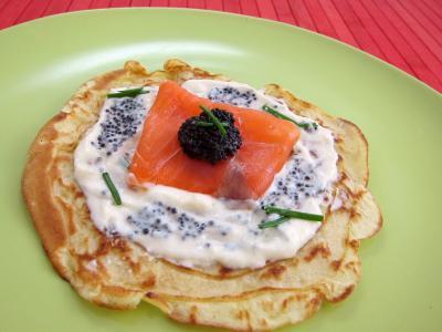 Image : Assiette avec un blinis de saumon fumé