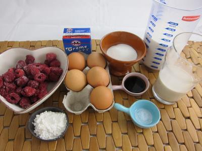 Ingrédients pour la recette : Crème facile aux framboises