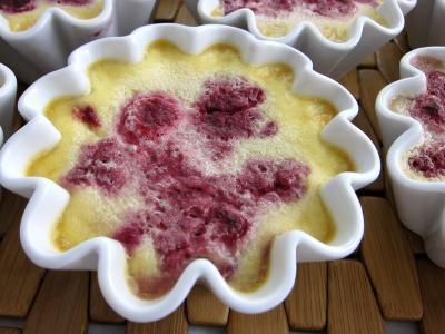 Image : Ramequin de crème aux framboises