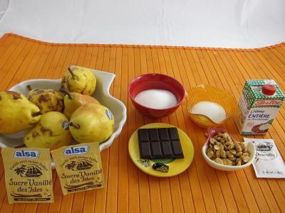 Ingrédients pour la recette : Chantilly au chocolat et ses poires au caramel