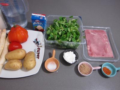 Ingrédients pour la recette : Mâche en velouté et sa gaufrette à la mozzarella