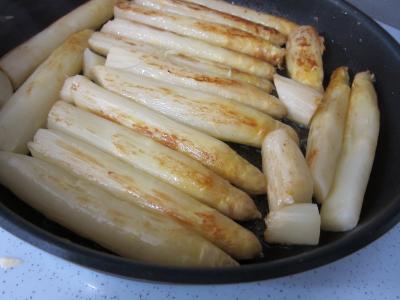 Coquelets au miel et aux pommes caramélisées et aux asperges - 11.1
