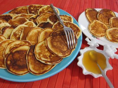pancakes : Assiettes de pancakes au miel