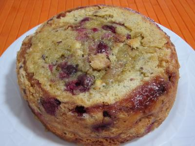 Image : Assiette de pudding aux cerises et aux pommes