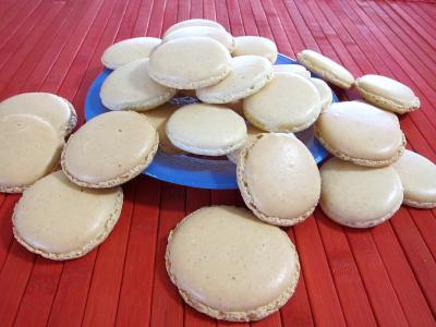 Image : Assiette de macarons à la vanille