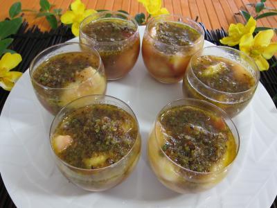 Image : Verrines de pêches, bananes et pistaches au rhum