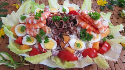 Recette Grande assiette d'encornets et gambas en salade
