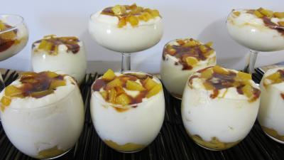 Dessert meringué : Verrines de crémets aux pêches