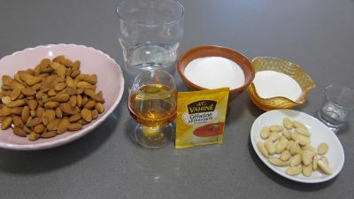 Ingrédients pour la recette : Blanc-manger au Grand marnier