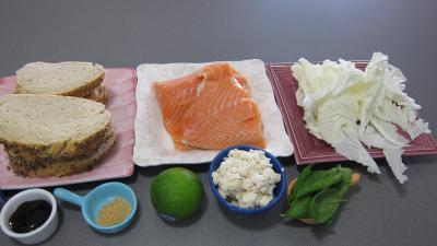 Ingrédients pour la recette : Bruschettas de saumon