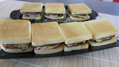 Recette Plateau de sandwichs à l'aubergine et au jambon